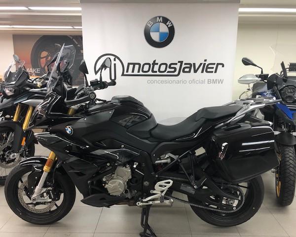 BMW S1000XR (1)